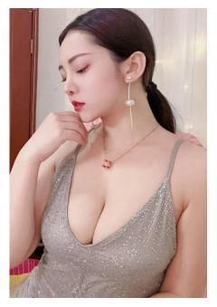 Cute Asian girl full service relaxing massage
